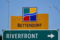 Bettendorf, Iowa signage
